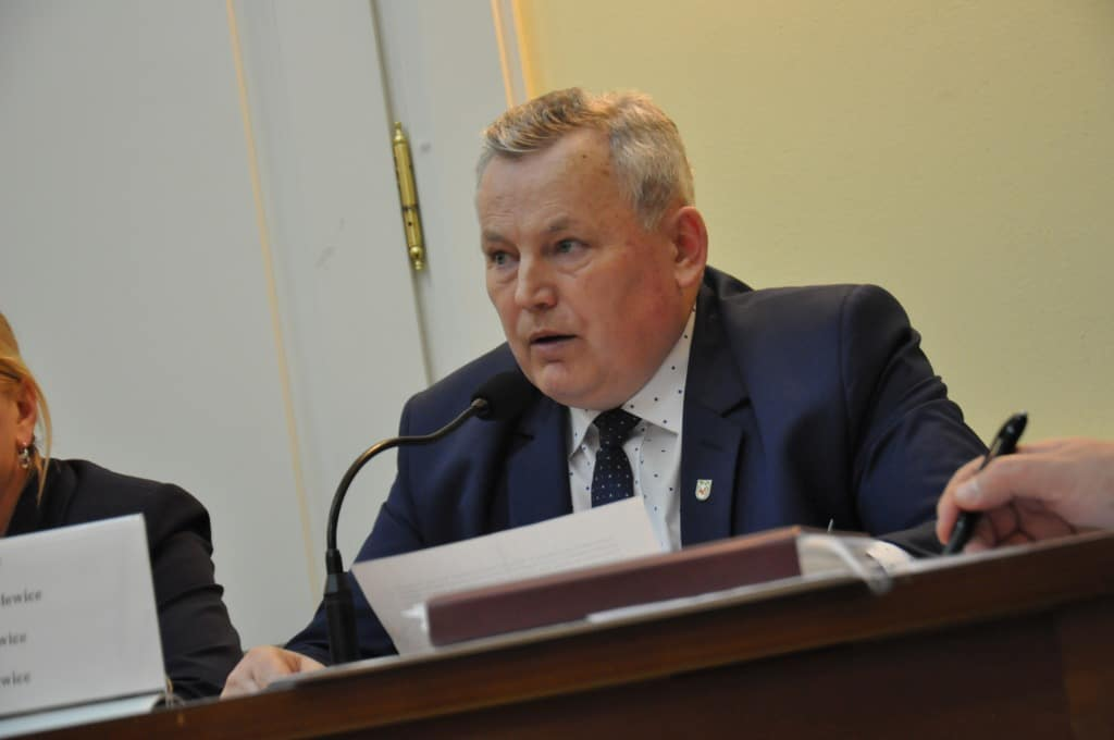 Radni gminy Przelewice zabrali wójtowi ponad 3 tysiące złoty