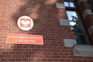 Read more about the article Kurator Oświaty o szkole w Jesionowie