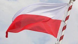 Read more about the article Kiedy staną  w gminach obiecane przez premiera maszty flagowe