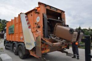 Read more about the article Lipiany, Warnice i Bielice liczą już śmieci od wody, radni Pyrzyc zmierzają w tym kierunku